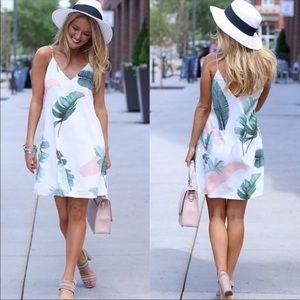 Dresses & Skirts - Spring v-neck Floral Dress